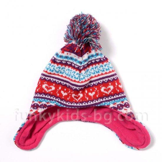 Зимна шапка с помпон