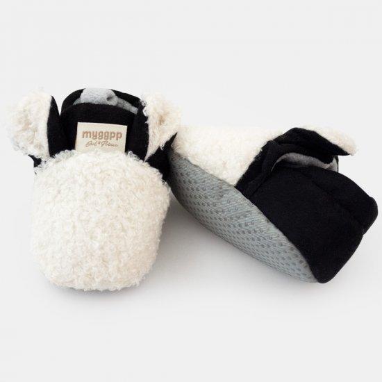 """Бяло - черни пантофки """"Агънце"""" с ушички"""