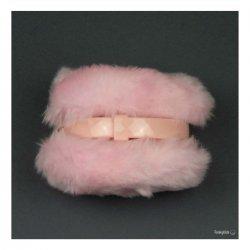 Светло розови ушанки с пух